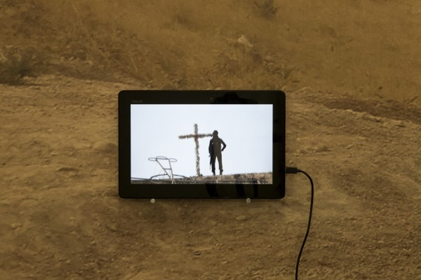 1398 2019 Alborz Kazemi Encounter Encounter Dastanoutside Installation View Lowres 05 503A6267